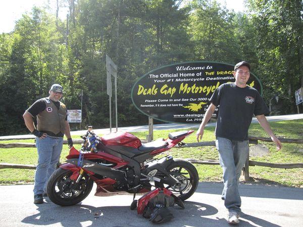 Yamaha R6 Crash & Walk Away 2/3