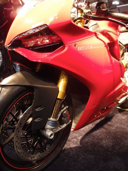 Ducati 1199 Panigale S - Front Right